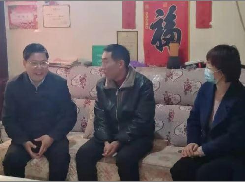 山东费县县委副书记刘恒波一行春节前走访慰问困难群众