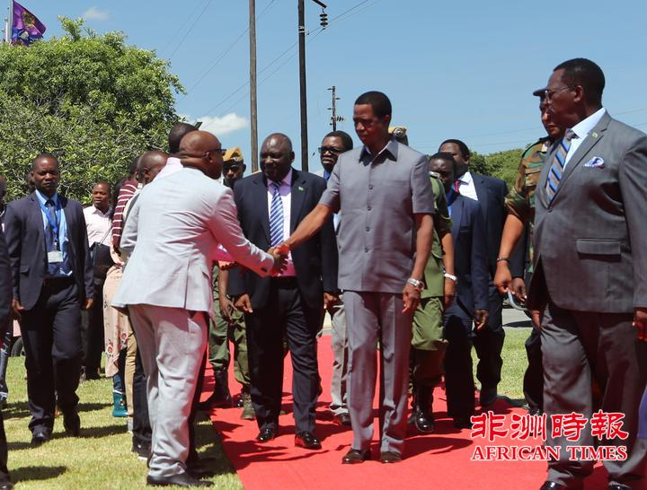 赞比亚总统伦古为卢萨卡华企KINGSLAND项目剪彩